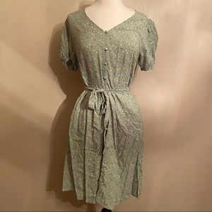 NWT Womens Green Button Down Dress With Bow